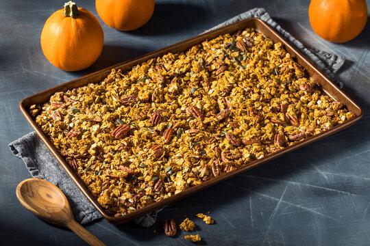 Healthy Homemade Autumn Pumpkin Spice Granola