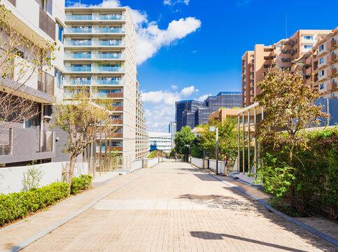 マンションが建ち並ぶ住宅街