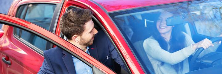 Obraz Man Getting In Car - fototapety do salonu