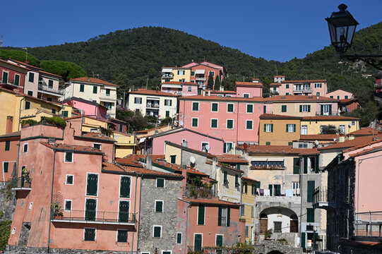 Case del borgo di Tellaro viste dal mare
