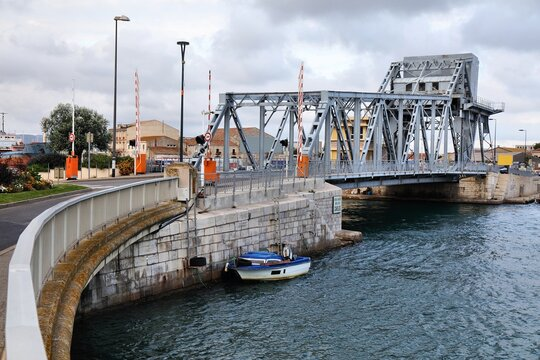 Tivoli Bridge in Sete, France