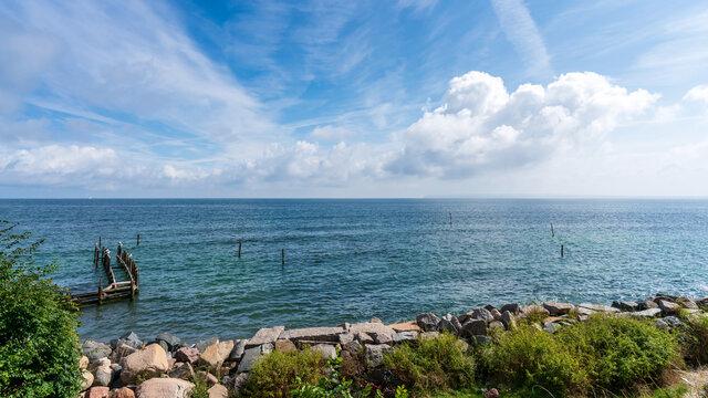 Blick auf die Ostsee vom kleinen Ort VItt auf Rügen