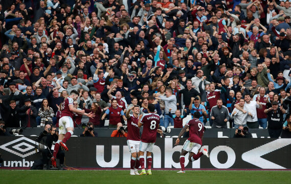 Premier League - West Ham United v Tottenham Hotspur