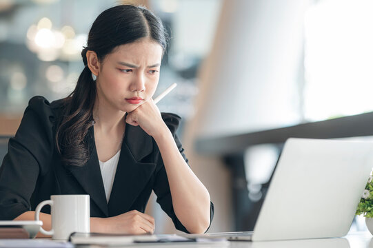 Businesswoman feel dissatisfied with results of the business.